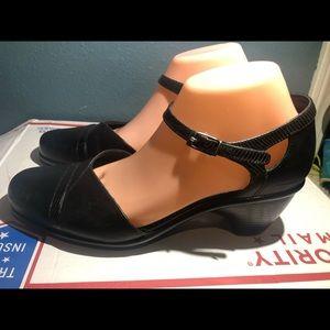 Dansko Women's Black Ankle Strap Clogs Sandals